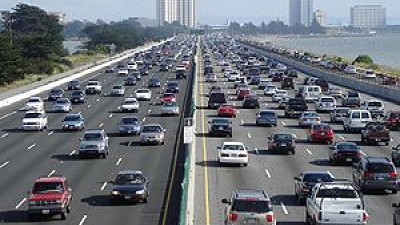 Спират, камиони, магистрали, трафик