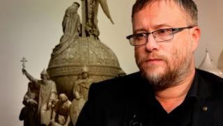 Валерий Коровин, тръбопроводи, Европа, губим, културно присъствие