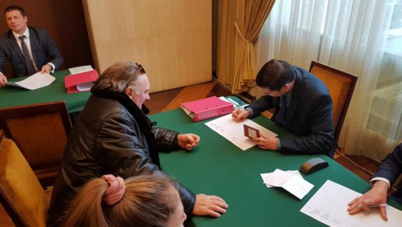 Paris Match, Депардийо, избори, Русия