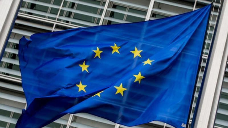 Bloomberg, Източна Европа , ключови постове, ЕС, възмутителното поведение