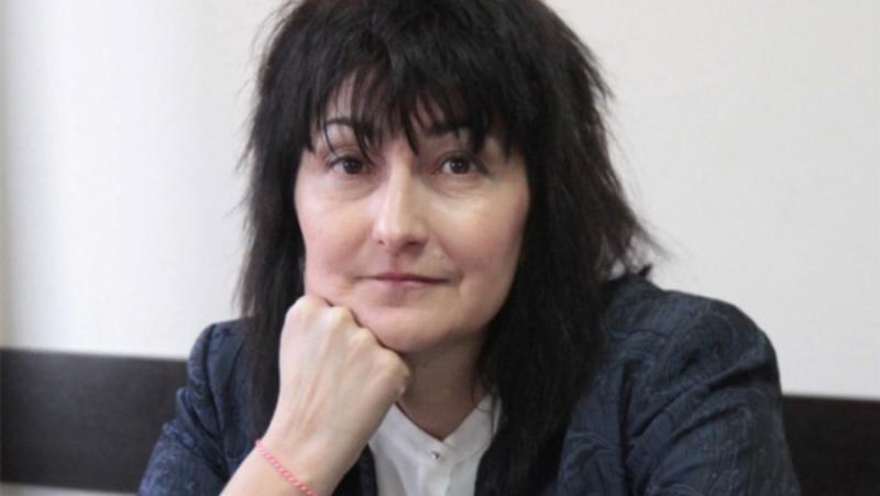 Ваня Добрева, Министерство на образованието, диктат, теми, табу