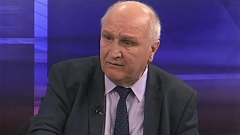 Людмил Спасов, политическа помиярщина, МОН, учебник по история