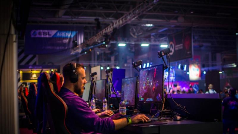 Индустрия, електронни спортове, Китай,  $1.9 милиарда