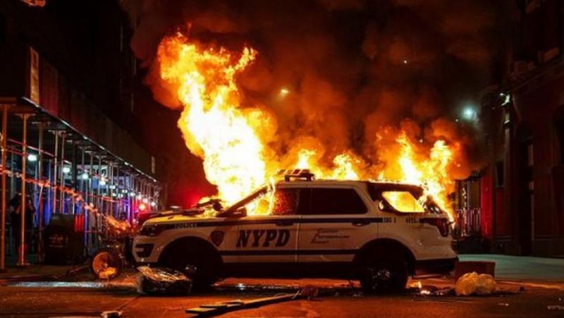 Америка, пламна, убийство, протести, погроми