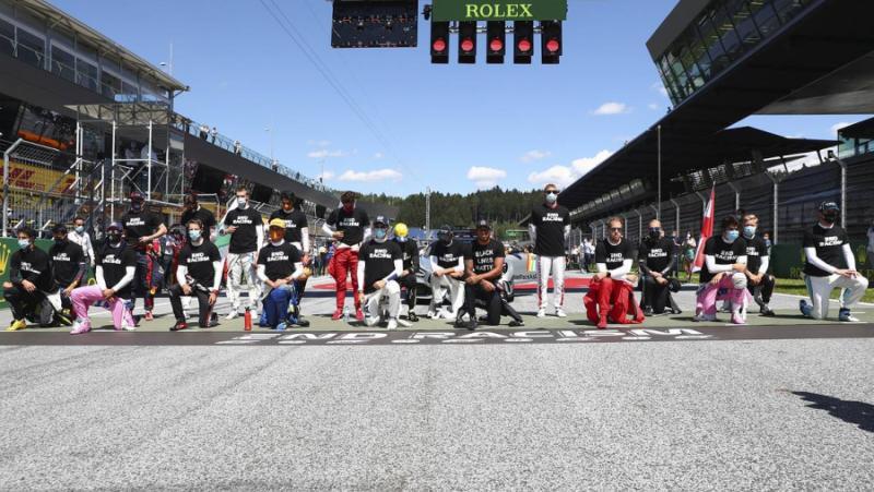 Руски състезател, формула-1, отказва, коленичи, протест, расизма