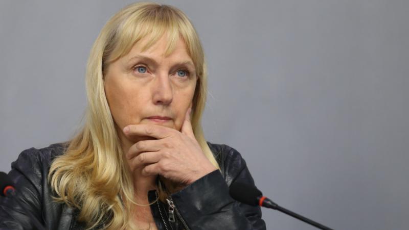 Елена Йончева, The Financial Times, корупция, правителство, България