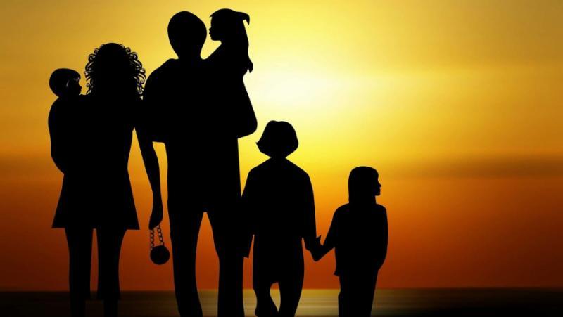 Псевдо-леви, демонизират, родителите, семейство, опресия