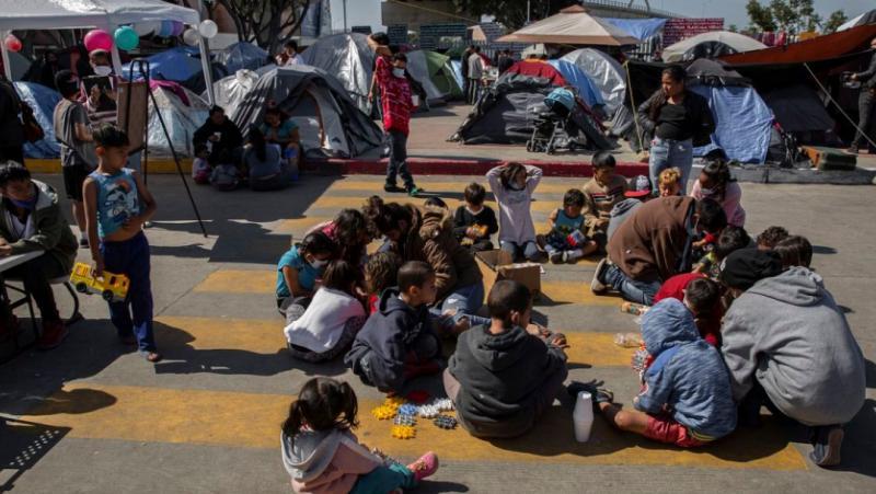 Hill, Пентагона, малолетни мигранти, военни бази, Тексас