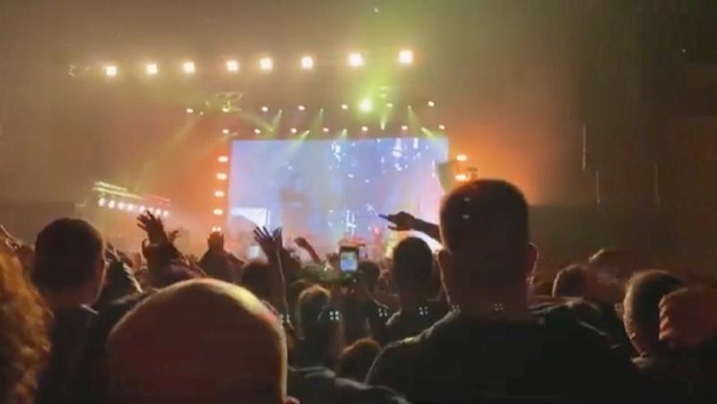 Le Monde, Клиничен експеримент, рок концерт, Барселона, 5 хиляди зрители