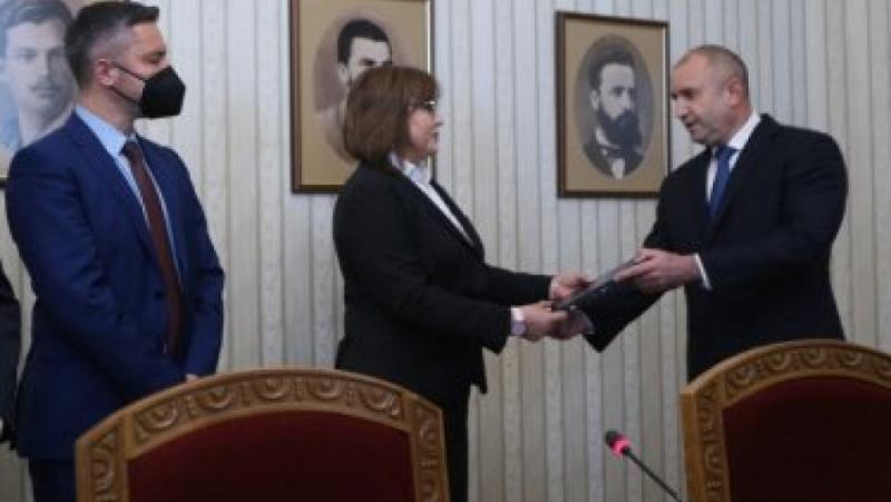 Дора Чичкова, Корнелия Нинова, политически неграмотна жена