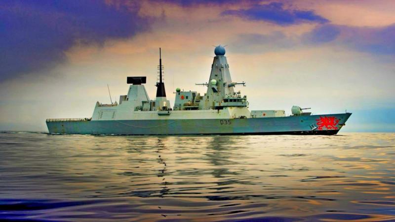 Британскому флоту «не будут препятствовать» ходить возле берегов аннексированного Россией Крыма - министр обороны Великобритании