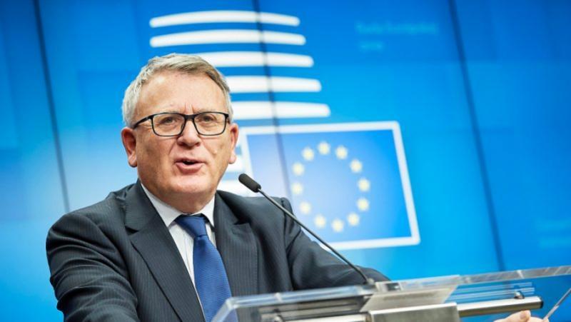 Nicolas Schmidt, сигурност, младите хора, Европа