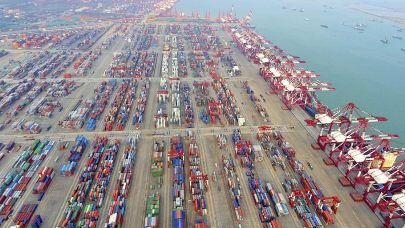 Китай, завзема, ключови пристанища, света