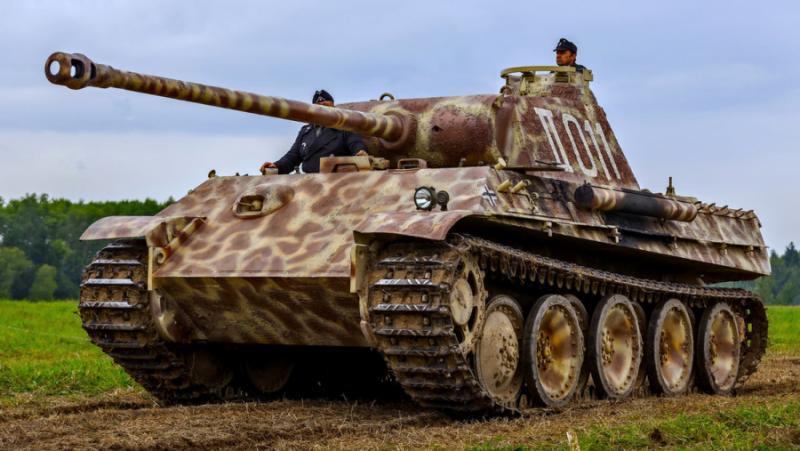 Германски пенсионер, мазе, танк Пантера, зенитно оръдие, торпедо