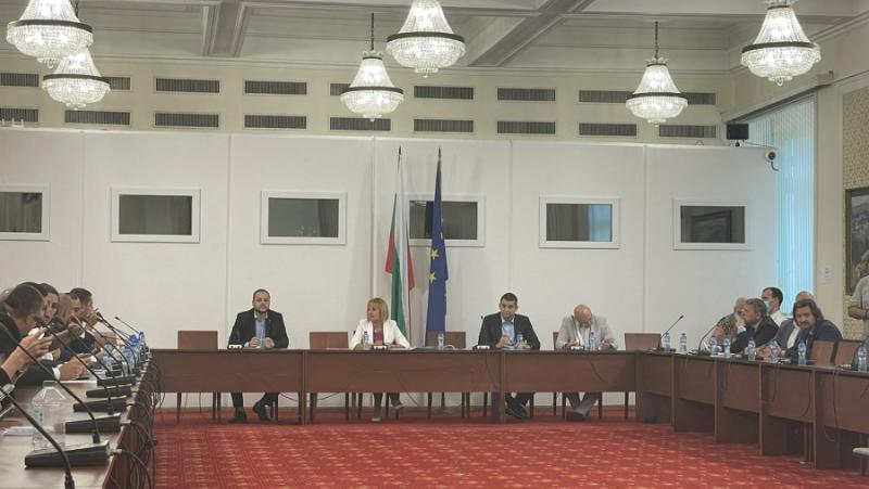 Комисия по ревизията, Манолова, стартов списък, 17 сектора