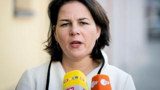 Bild, Кандидат, Зелените, канцлер, Германия, Аналена Бербок, джендърно-неутрален език