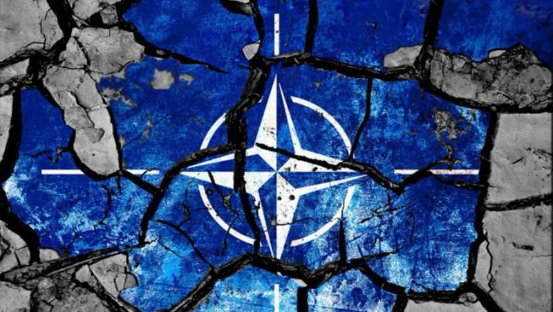 АУКУС, КУАД, Англосаксонци, разрушават, НАТО