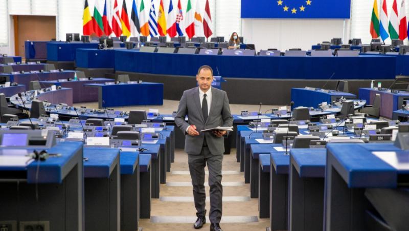 Петър Витанов, натиск, ЕС, спор, България, РС Македония